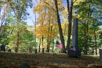 Charlestown_Revolutionary_War_Cemetary_2_2007-1
